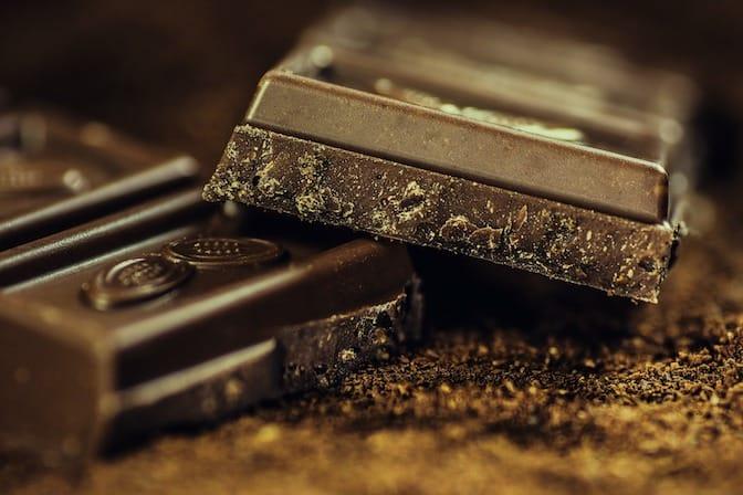 Lebenslauf auf Schokoladenriegel schreiben